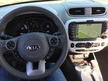 kia-soulev_cockpit_dre
